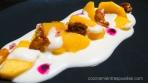 Nectarian y crema de chocolate blanco