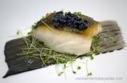 Merluza y caviar de ajonegro